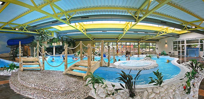 Camping vend e avec piscine parc aquatique piscine - Camping ile de re avec piscine couverte ...